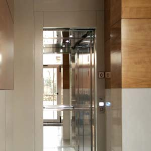 Rehabilitación e intalación de ascensor en edificio antiguo de Getxo