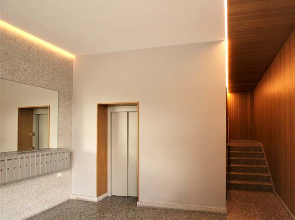 Instalación de ascensor en edificio antiguo en Orduña Bizkaia en hueco de escalera