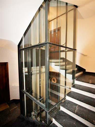 Instalación de ascensor en edificio antiguo de Getxo Bizkaia